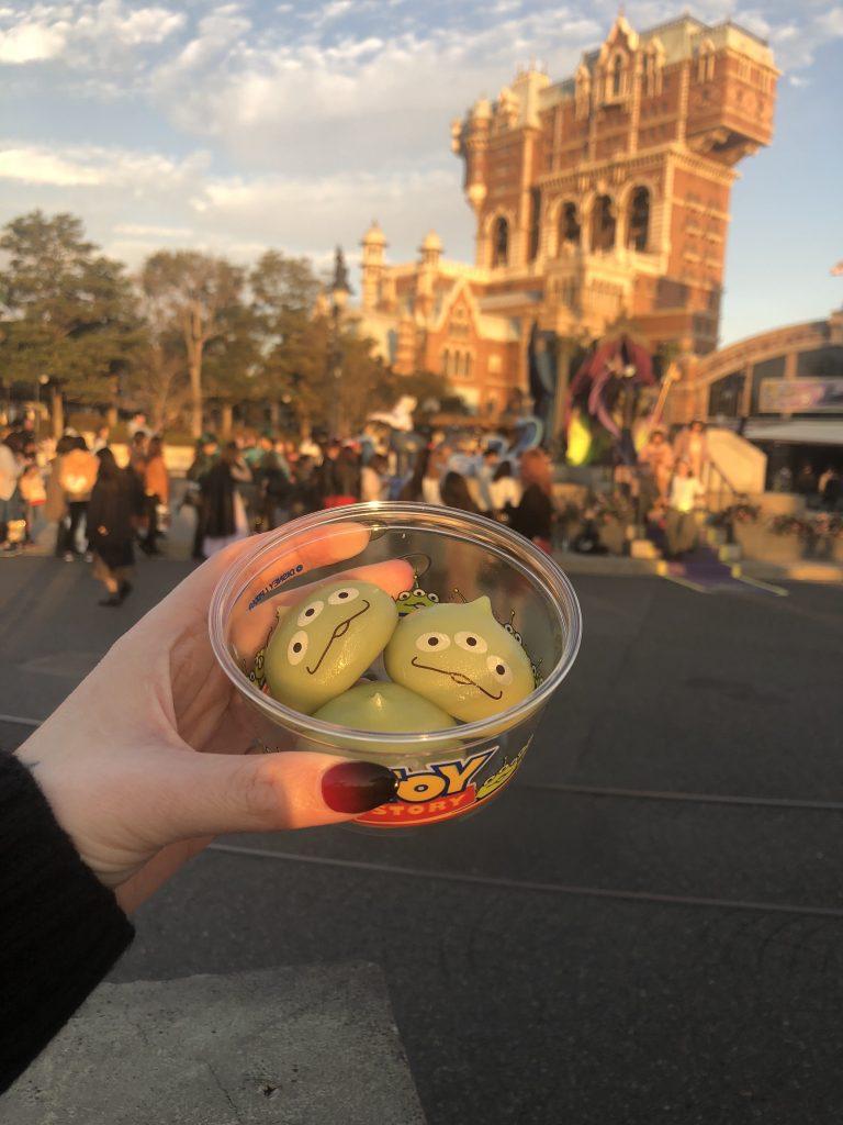 little green men mocha Tokyo Disney