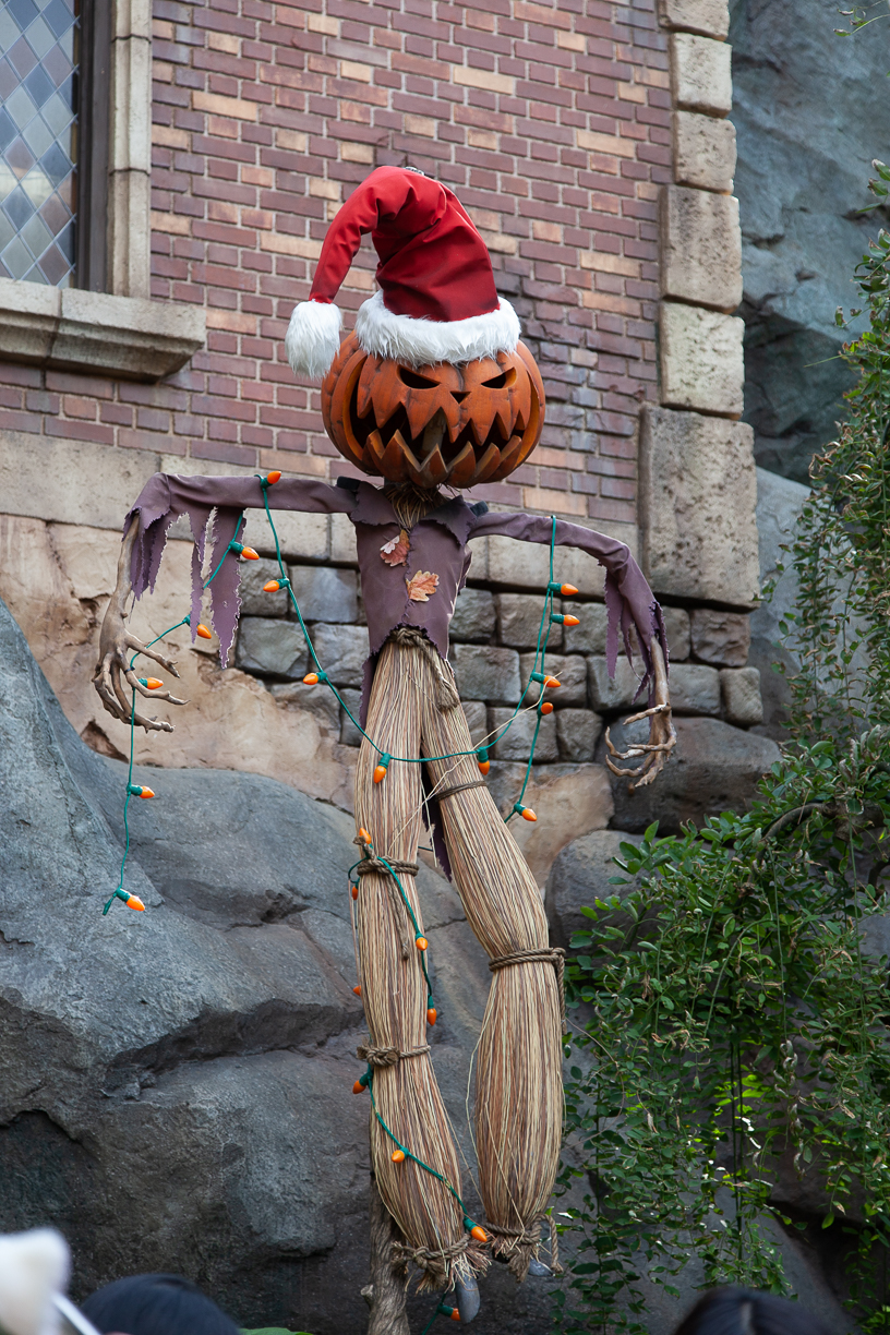 nightmare before christ haunted mansion update for halloween at Tokyo Disney