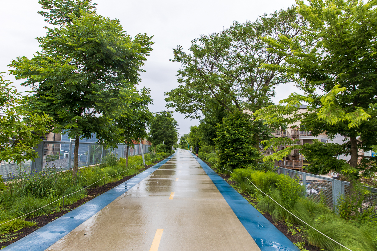606 trail Chicago in the rain